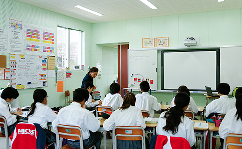 img_facilities_juniorhigh-classroom