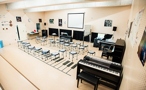 img_facilities_music-room_01